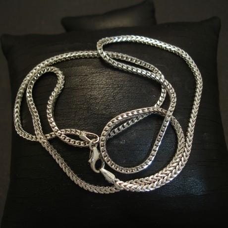 italian-chevron-9ctwhite-gold-chain-04750.jpg