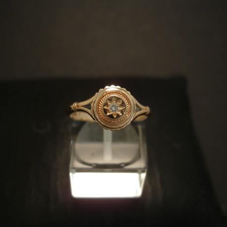 edwardisn-styling-9ctgold-ring-star-set-diamond-04818.jpg