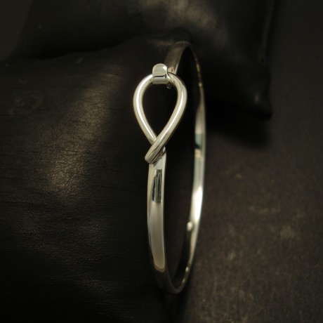 simple-clip-bangle-sterling-silver-04506.jpg