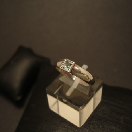 aquamarine-4mm-square-hmade-silver-ring-05158.jpg