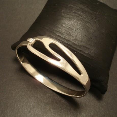 contemporary-design-silver-clip-bangle-05330.jpg
