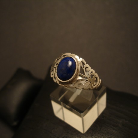 deep-blue-lapis-handcarved-silver-ring-05148.jpg