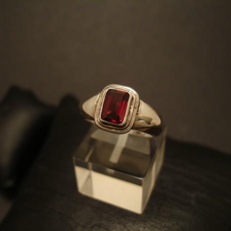 garnet-baguette-hmade-silver-ring-05156.jpg