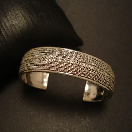 overlaid-wirework-handmade-silver-cuff-05161.jpg