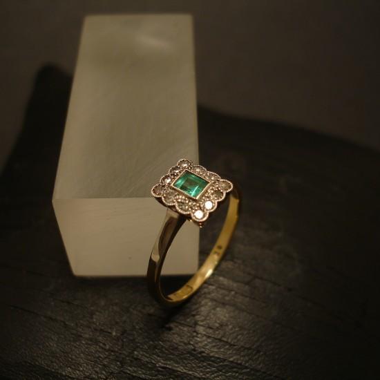 emerald-antique-ring-platinum-18ctgold-05106.jpg