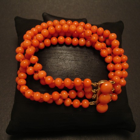 four-strand-english-antique-coral-bracelet-05062.jpg
