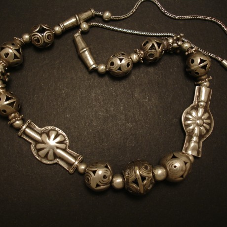 handcrafted-old-afghani-tribal-silver-bead-chain-05018.jpg