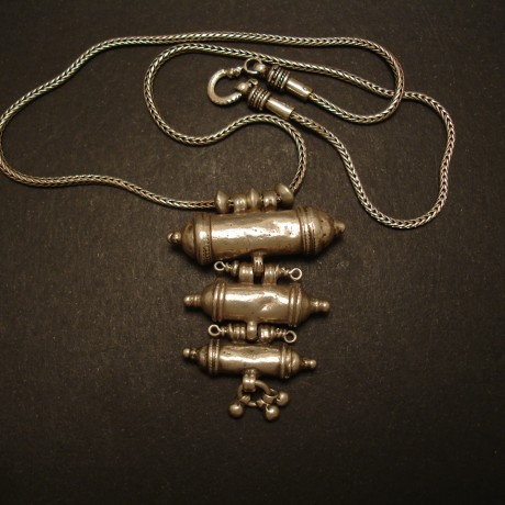three-cylinder-old-tribal-silver-pendant-chain-05020.jpg