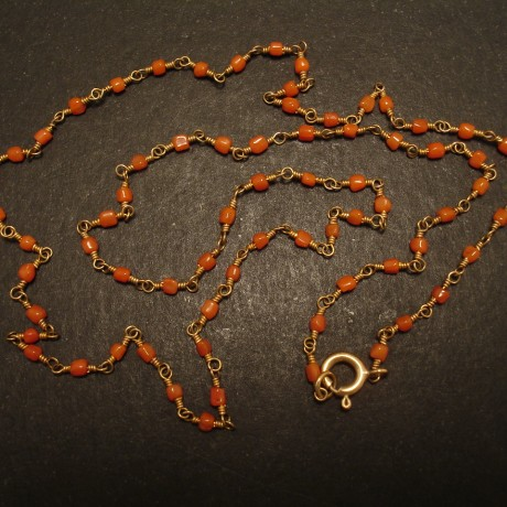 small-corals-9ctgold-strung-necklace-05209.jpg