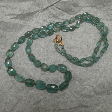 graduated-emerald-cut-bead-necklace-00462.jpg