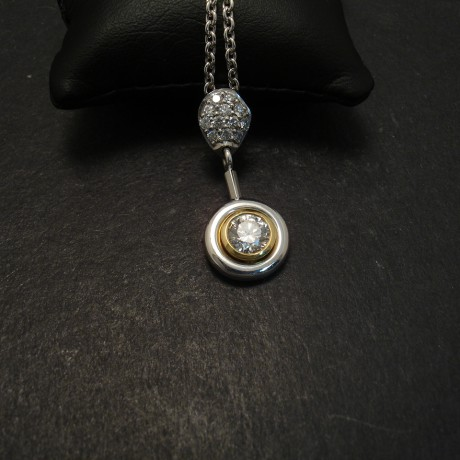 handmade-18ctGold-diamond-articulated-pendant-06790.jpg