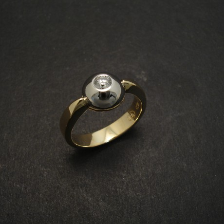 Diamond, Gold and Platinum Ring
