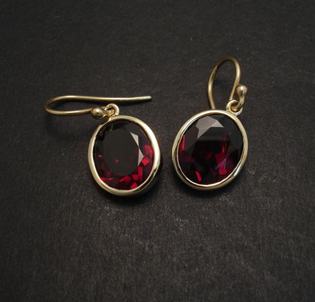 garnet-gold-earrings-06475.jpg