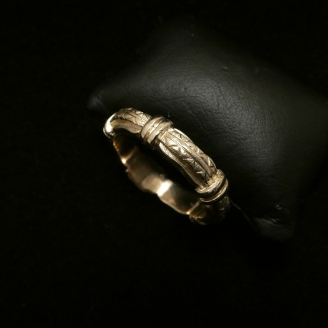 seriously-solid-9ctgold-ring-greek-design-00474.jpg