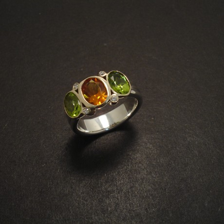 coloured-gemstones-citrine-peridot-diamond-ring-gold-silver-05792