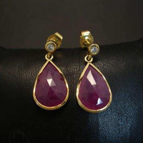 teardrops-opaque-ruby-18ctgold-stud-drops-03741.jpg