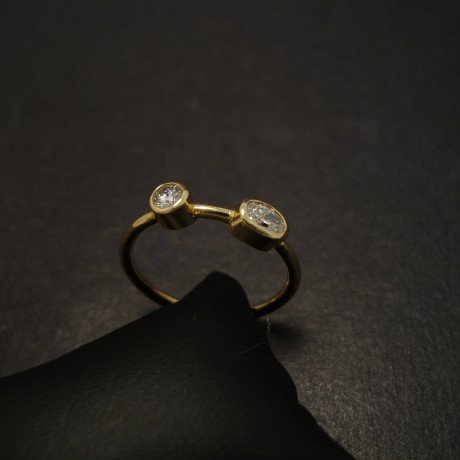 two-diamond-18ctgold--oval-round-ring-07441.jpg