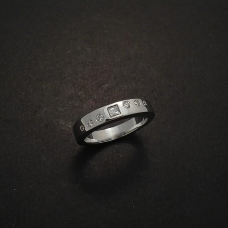 white-gold-18ct-seven-diamonds-ring-03473.jpg
