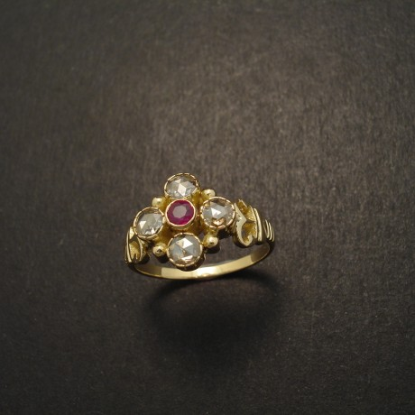 five-gemstone-ring-18ctgold-ruby-4rose-diamonds-05006