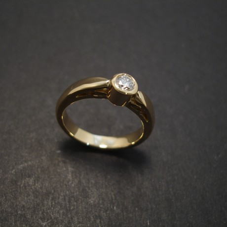 solitaire-engagement-ring-.26ctdiamond-18ctgold-08100.jpg
