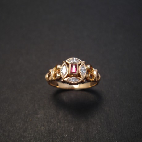 baguette-ruby-4diamond-marq-18rose-gold-ring-08111.jpg