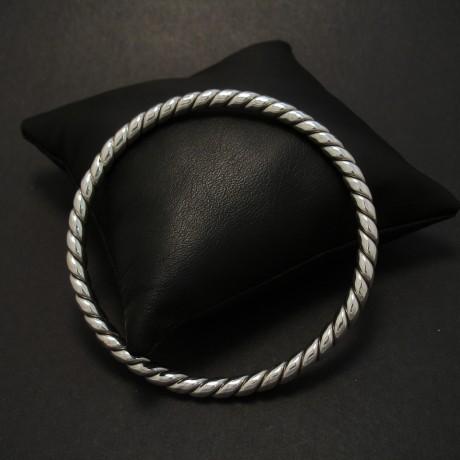 twist-wire-sterling-silver-bangle-08186.jpg