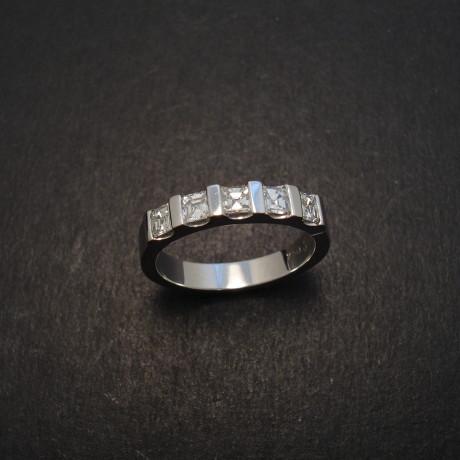 asscher-diamonds-5-18ctwhite-engagement-ring-08370