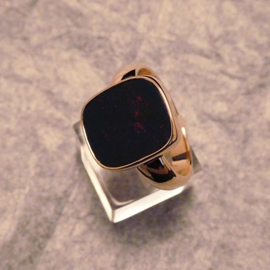 bloodstone-ring-handmade-9ctgold-00211.jpg