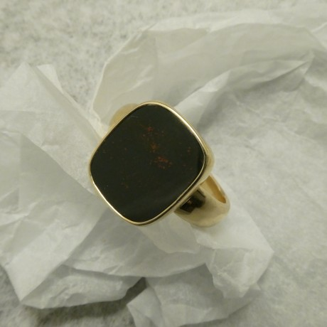 bloodstone-ring-handmade-9ctgold-10322.jpg