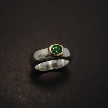 tzavorite-gemstone-18ctgold-silver-domed-ring-05110.jpg