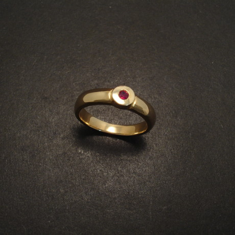 chunky-ruby-9ctgold-ring-05930.jpg