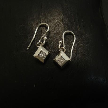 diamond-form-9ctwhite-gold-earrings-.14ctdiamonds-04392.jpg
