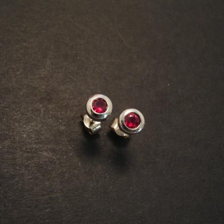 ruby-earstuds-.38ct-18ctwhite-gold-09383.jpg