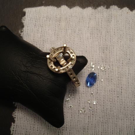 lively-ceylon-sapphire-diamonds-18ctwhite-gold-halo-ring-09564.jpg