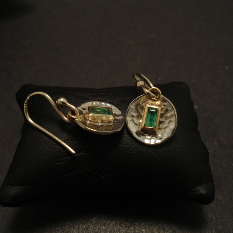 handcrafted-emerald-baguette-4x2-9ct18ctgold-hammered-earrings-09891.jpg