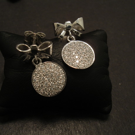 bow-tie-18ctwhite-gold-stud-drops-pave-diamond-discs-09892.jpg