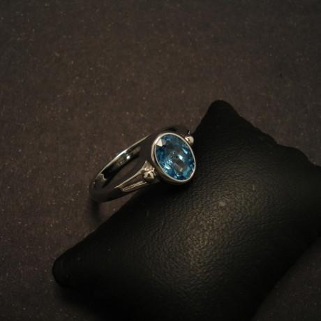 victorian-style-9ctwhite-gold-ring-7x5mmwhite-topaz-00050.jpg