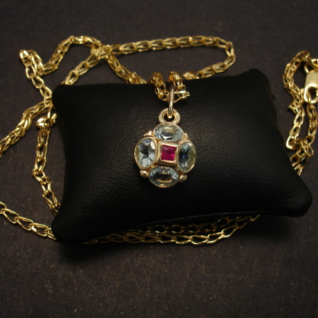 regal-aquamarine-ruby-5stone-9ctgold-pendant-00214.jpg