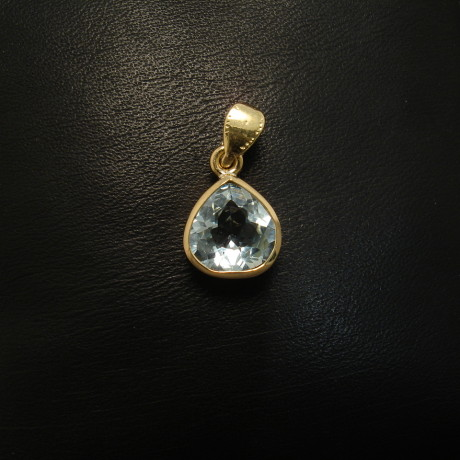 1.64ct-aquamarine-teardrop-18gold-pendant-01607.jpg