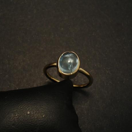 212ct-aquamarine-cabochon-18ctgold-plain-ring-01612.jpg