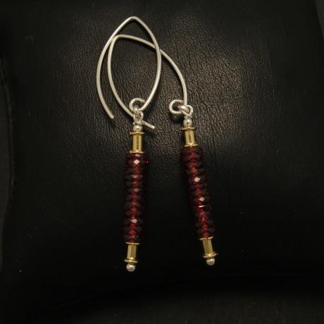 smart-silver-earrings-super-bright-garnets-01884.jpg
