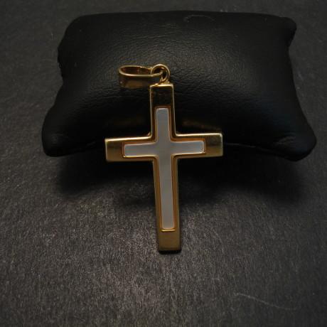 simple-18ctgold-mother-pearl-cross-06781.jpg