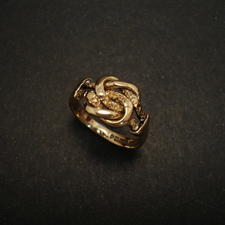 chester-1919-9ctgold-knot-ring-01769.jpg