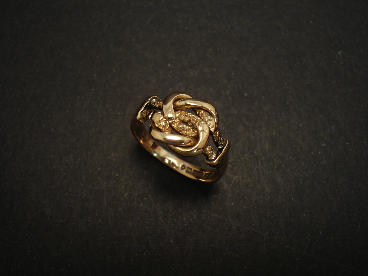 Chester 1919 Hallmarks 9ct Gold Antique Knot Ring