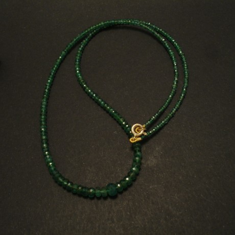 cut-emerald-bead-necklace-9ctgold-clasp-02909.jpg