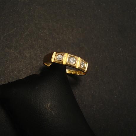 london-1951-hallmarks-18ctgold-ring-diamonds-01768.jpg
