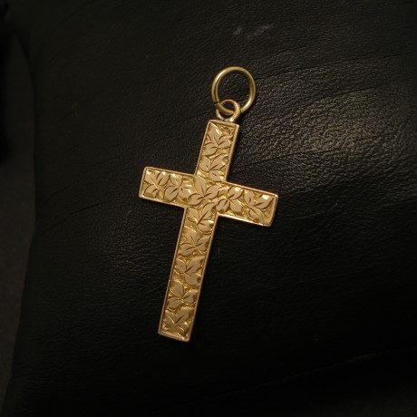 year-1902-9ctgold-english-antique-cross-02093.jpg
