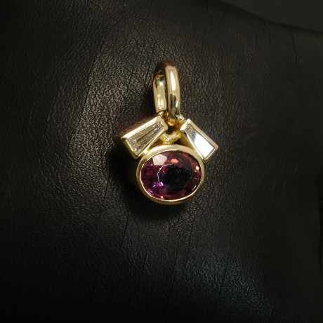 finest-pink-tourmaline-diamond-tapers-18ctgold-pendant-02165.jpg