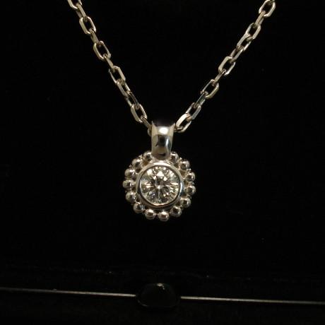 gia-certified-57ct-fvs1-18ctwhite-gold-pendant-02199.jpg