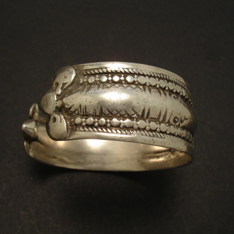 high-grade-old-silver-tribal-cuff-afghani-02142.jpg